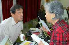 Manzanar Committee Co-Chair Bruce Embrey (left) with Rose Ochi (right). ©2012 Friends of Manzanar. All rights reserved.