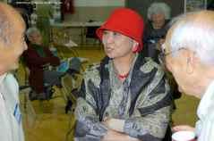Former Friends of Manzanar chair Lilliam Kawasaki (center). ©2012 Friends of Manzanar. All rights reserved.