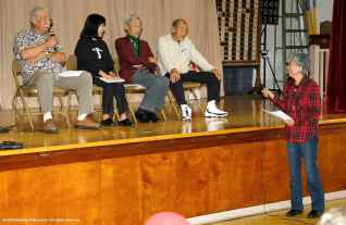 From left, Mas Okui, Joyce Nakamura Okazaki, Jack Kunitomi, and Charlie Hamasaki share their recollections in a discussion moderated by Rose Ochi. ©2012 Friends of Manzanar. All rights reserved.