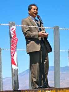 2009 Manzanar Pilgrimage (40th)-H20-14