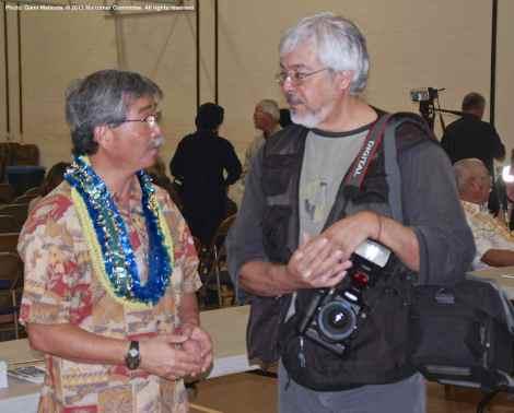 Retiring Manzanar National Historic Site Superintendent Les Inafuku (left) chats with Rafu Shimpo Photo Editor Mario Reyes