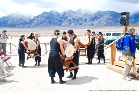 UCLA Kyodo Taiko preparing for their first song at the 46th Annual Manzanar Pilgrimage.