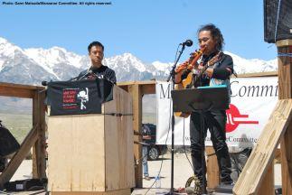 Ken Koshio (right) performs