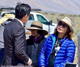 Manzanar Committee member Kerry Cababa (right) speaking with Consul General of Japan (Los Angeles) Akira Chiba (left)