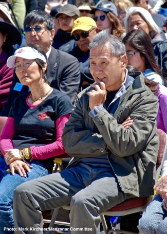 Alan Nishio (right) and Manzanar Committee member Diane Ujiye (left)