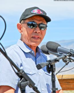 Attorney Dale Minami addressed the crowd during the 50th Annual Manzanar Pilgrimage.